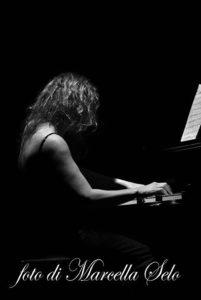 06/04/2013 – Mariella Pandolfi JAZZ TRIO & Luca Signorini violoncello