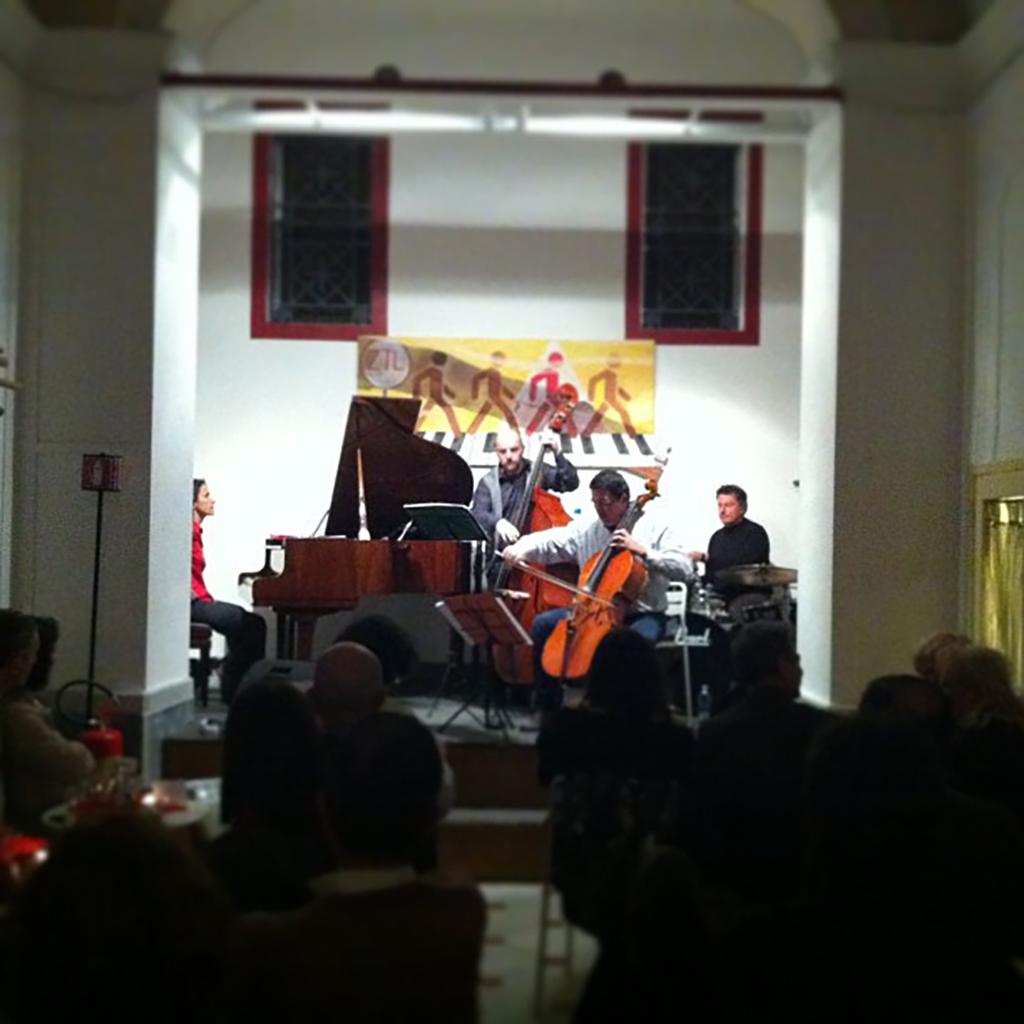 19/05/2013 – Mariella Pandolfi JAZZ TRIO & Luca Signorini violoncello